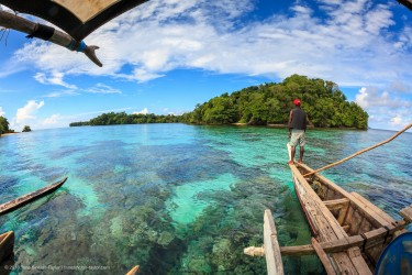 'Bright spots' in Papua New Guinea shine light on the future of coral reefs