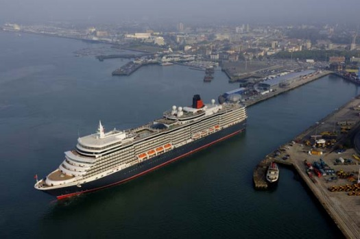 Queen Elizabeth cruise ship to be based in Melbourne for 2019/2020